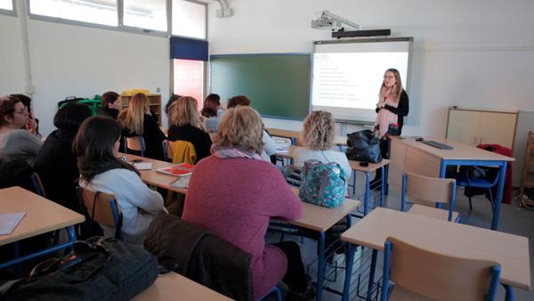 Sesión de formación con el profesorado.
